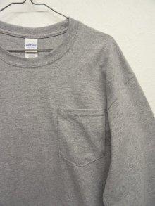 他の写真2: GILDAN ポケット付き ロングスリーブ Tシャツ GREY (NEW)