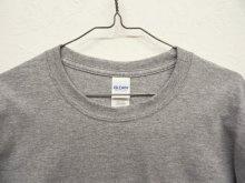 他の写真1: GILDAN ポケット付き ロングスリーブ Tシャツ GREY (NEW)