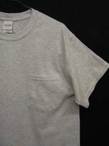 他の写真2: GILDAN ポケット付き 半袖 Tシャツ ASH GREY (NEW)
