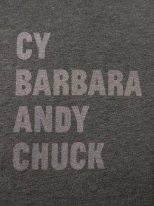 他の写真2: THE BROAD アーティスト Tシャツ CHARCOAL 日本未発売 (NEW)