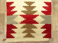 他の写真2: ナバホ族 ハンドウーブン ラグ 90cm x 47cm (ANTIQUE)