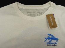 他の写真1: 日本未発売 PATAGONIA サンタモニカ限定 ロゴバックプリント 半袖 Tシャツ USA製 (NEW)
